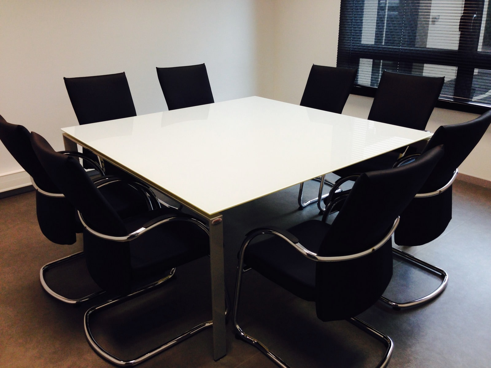Techoffice, l'expert de vos mobiliers de bureau, outils informatiques et réseaux, copieur et systèmes d'impressions.